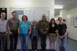 Gruppenbild der Pikslmitarbeiter und Studenten in der Uni Siegen