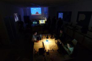 Zocken im Piksl-Labor zu nächtlicher Stunde